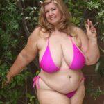 Nude pics of Curvy Sharon