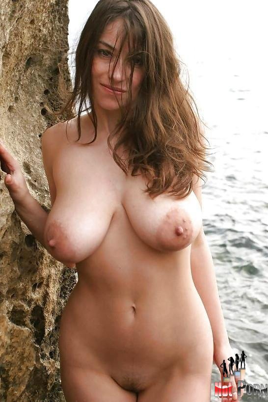 women with big natural breasts