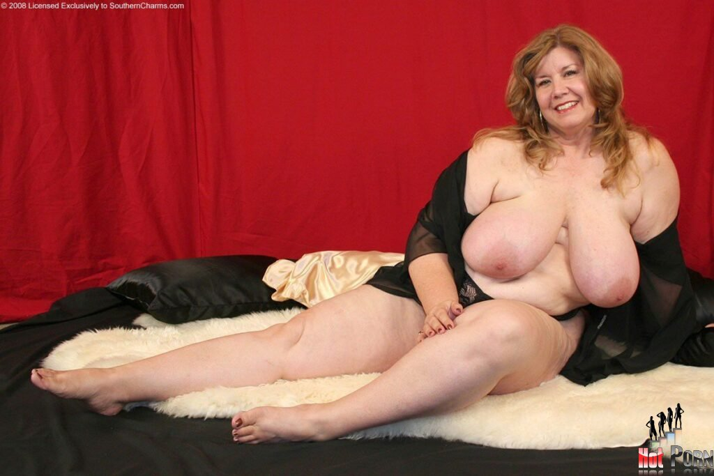 curvy-sharon-bbw-nude7